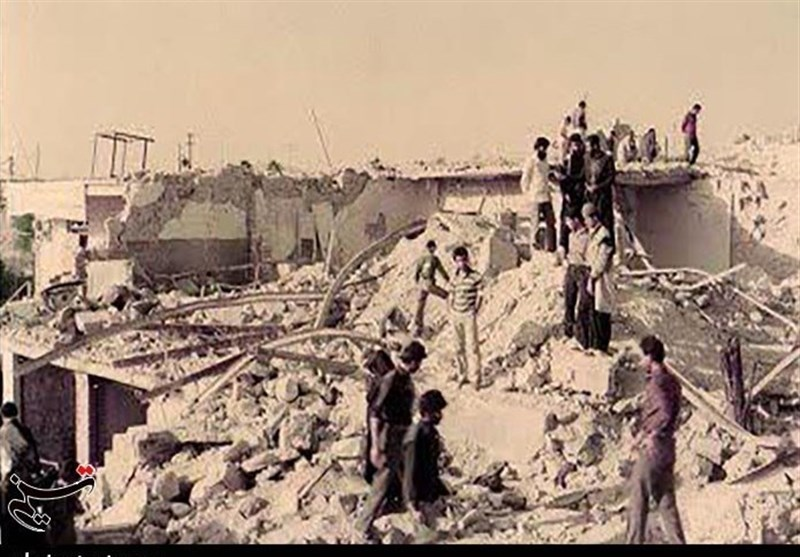 اسرار مکتوم جنگ 8 ساله  روایت تلخ یک خبرنگار از جبهههای جنگ / ماجرای بمباران یک ساعته اندیمشک در سال 65 و ثبت دلخراشترین تصاویر