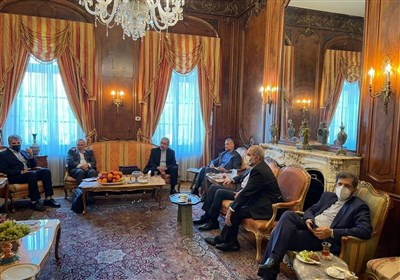 FM Hails Iranian Community in US as Great Asset