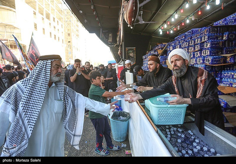 موکبهای خدمت رسانی به زائرین اربعین حسینی در اطراف بین الحرمین