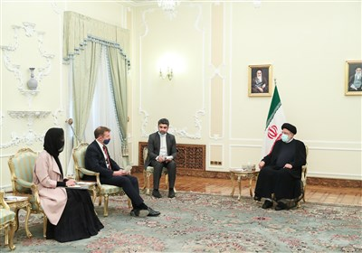 Mutual Respect Best Way to Work with Iran, President Tells UK Envoy