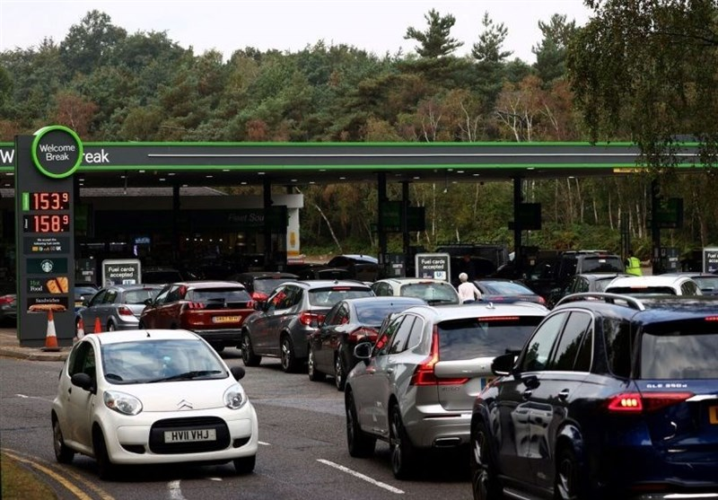 Fuel Shortages Pile Pressure on PM Johnson as British Crisis Escalates