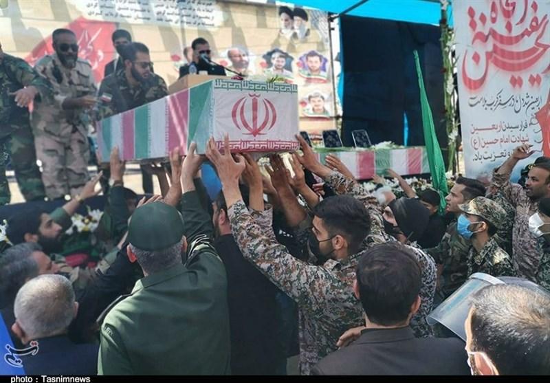 راهپیمایی جاماندگان اربعین حسینی در بهارستان برگزار شد + تصاویر