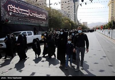 پیاده روی جاماندگان اربعین در مشهد