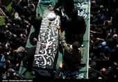 خاکسپاری علامه حسنزاده آملی تا ساعاتی دیگر در زادگاهش/ حضور شیفتگان و دلدادگان علامه از نقاط مختلف ایران در روستا