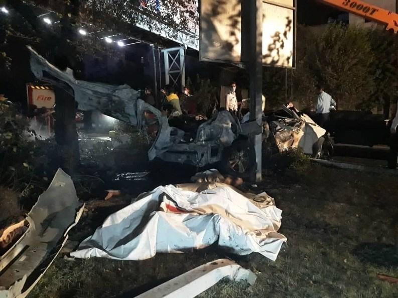 14000706085824576237034810 - مرگ تلخ سرنشینان BMW میان شعلههای آتش + تصاویر