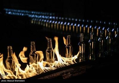 حرارت دادن به شیشه های تولید شده به جهت استحکام بیشتر و ضد عفونی شدن آنها
