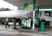British Army to Start Delivering Fuel to Pumps Next Week amid Ongoing Fuel Crisis (+Video)