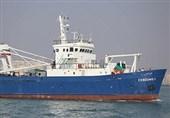 """فعالیت کشتی ترالر """"فردوس"""" در آبهای عمان/ مرکز تحقیقات آبهای دور چابهار صید ترال را تکذیب کرد"""