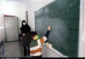 صدمات کرونا به سیستم آموزشی کشور/ والدین و دانشآموزان خوزستانی در انتظار بازگشایی حضوری مدارس+ فیلم
