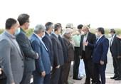  ادای احترام وزیر کشور به مقام شامخ شهیدان
