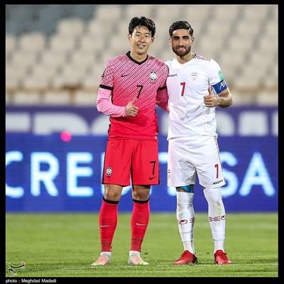 سون هیونگمین و علیرضا جهانبخش پس از پایان بازی