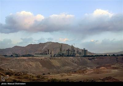 شرکت سیمان تهران در حال حاضر با تولید بیش از سه میلیون تن سیمان در سال ، توان تولید انواع سیمان با کیفیت بالا را داراست.