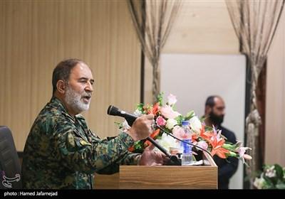 سخنرانی سردار حسن کرمی فرمانده یگانهای ویژه نیروی انتظامی در گردهمایی میثاق سفیران شهدا با خانواده شهیدان