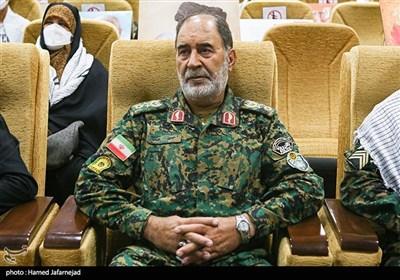سردار حسن کرمی فرمانده یگانهای ویژه نیروی انتظامی در گردهمایی میثاق سفیران شهدا با خانواده شهیدان