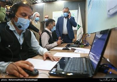 علیرضا زاکانی شهردار تهران در مرکز پاسخگویی 137 شهرداری