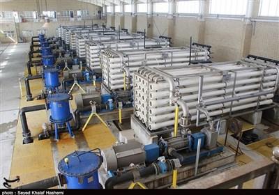 ظرفیت تولید آب از پروژههای آبشیرینکن استان بوشهر افزایش مییابد + فیلم