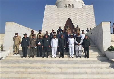 سرلشکر باقری از آرامگاه محمد علی جناح بازدید کرد
