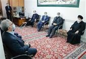 وزیر بهداشت در دیدار با آیتالله علمالهدی: بیش از 70 میلیون دُز واکسن کرونا در ایران تزریق شده است