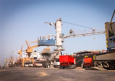 پهلوگیری 4 کشتی غولپیکر حامل کالای اساسی در بندر شهید رجایی/ 8 کشتی کالای اساسی در راه ایران