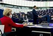 تشدید جنگ لفظی بروکسل-ورشو در پارلمان اروپا