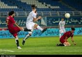 دیدار تیمهای فوتبال پدیده مشهد و آلومینیوم اراک