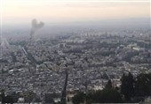 السفیر الیمنی فی سوریا: استهداف ناقلة عسکریة فی دمشق یحمل بصمة أمریکیة فی محاولة لإعاقة مسار الانفتاح الدولی