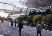 """آتشسوزی در کارخانه تولیدی ـ صنعتی """"زرندیه"""" کنترل شده است"""