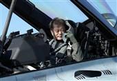 رئیس جمهور کره جنوبی در لباس خلبانی: قدرت دفاعی به صلح منجر میشود