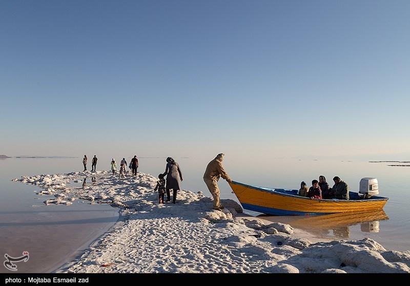 دریاچه ارومیه و روزهای کم آبی