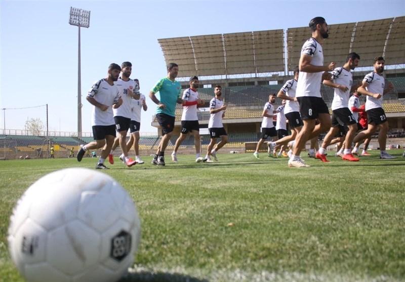 گزارش تمرین پرسپولیس  پا به توپ شدن گلمحمدی و باقری در آخرین تمرین قبل از بازی با نساجی