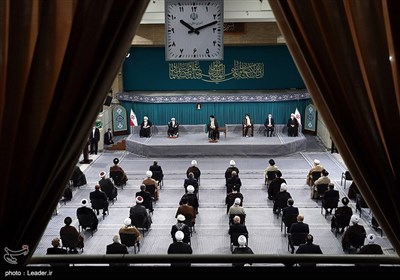 دیدار جمعی از مسئولان نظام و میهمانان کنفرانس وحدت اسلامی با رهبر معظم انقلاب اسلامی