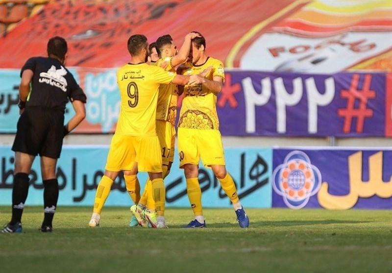لیگ برتر فوتبال| سپاهان با پیروزی پرگل مقابل نفت مسجدسلیمان صدرنشین شد