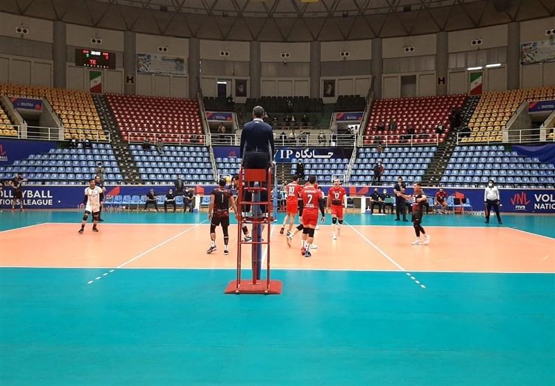 """برد شیرین تیم والیبال شهرداری ارومیه در نخستین گام/ شاگردان""""تندروان"""" لیگ را قدرتمندانه آغاز کردند"""