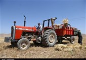 کمبود سوخت ماشینهای کشاورزی در محرومترین شهر ایران/گلایه کشاورزان مهرانی از وضعیت سهمیه