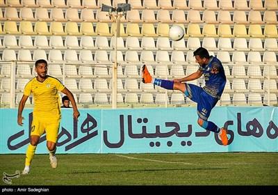 دیدار تیمهای فوتبال فجرشهید سپاسی و گل گهر سیرجان