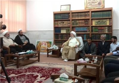 حجت ال حسینیان و آیت الله مکارم