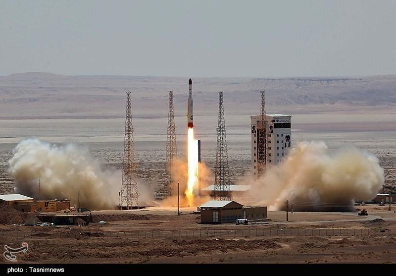 افتتاح پایگاه ملی فضایی (ره) با پرتاب آزمایشی بر سیمرغ